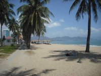 Praia da cidade vietnamita de Nha Trang