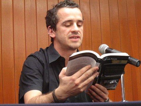 O escritor português José Luís Peixoto, que lança pela Dublinense o livro Morreste-me
