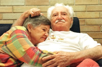 O casal de escritores Jorge Amado e Zélia Gattai.